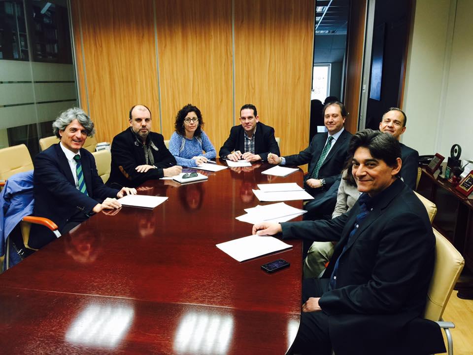 UGT firma una subida salarial del 2,6% con carácter retroactivo desde el 1 de enero del 2016 para los trabajadores del Comercio Alimentación de la Comunidad de Madrid.