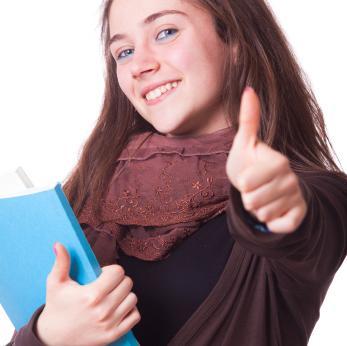 cotizar la retribución de las prácticas obligatorias y voluntarias realizadas por los estudiantes
