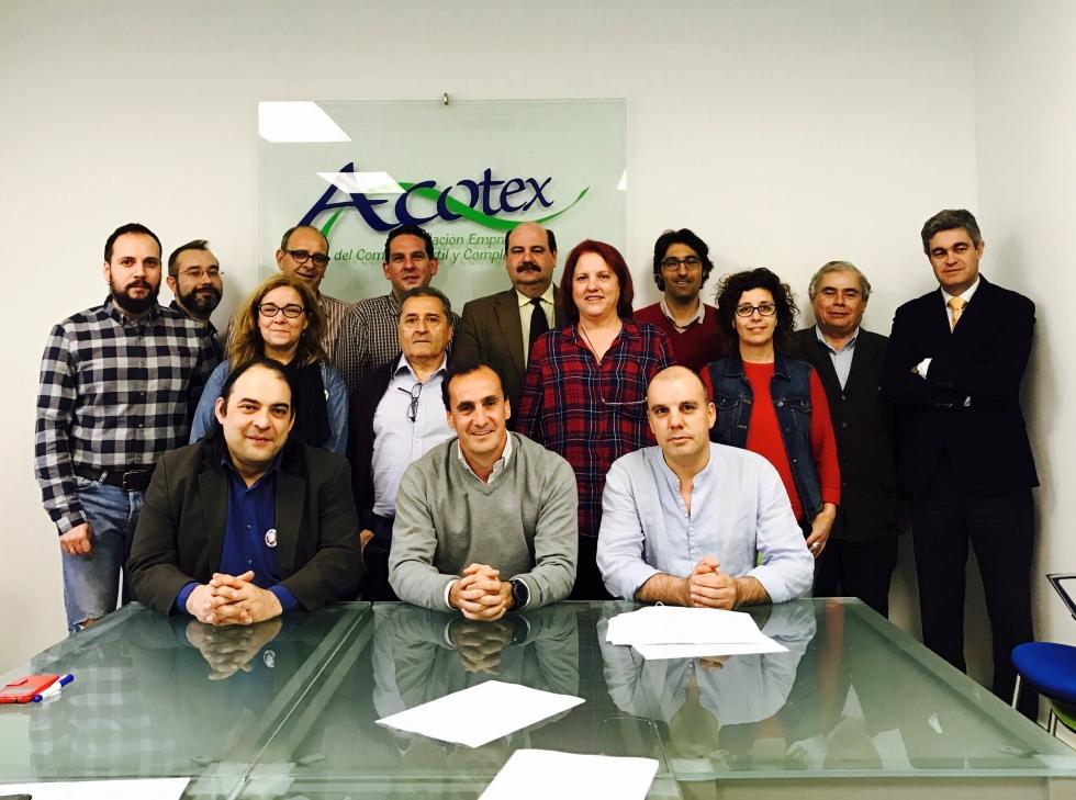 UGT firma una subida global del 6% con atrasos para el 2017, en el Convenio del Comercio Textil de la Comunidad de Madrid.